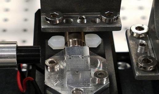 Device under test holder HF Probe Mount